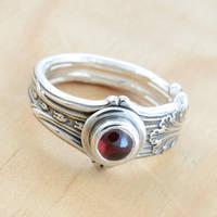 Spoon Ring w Garnet by metalsmitten
