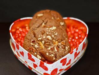 Caramel Chocolate Cookies by feetpeet