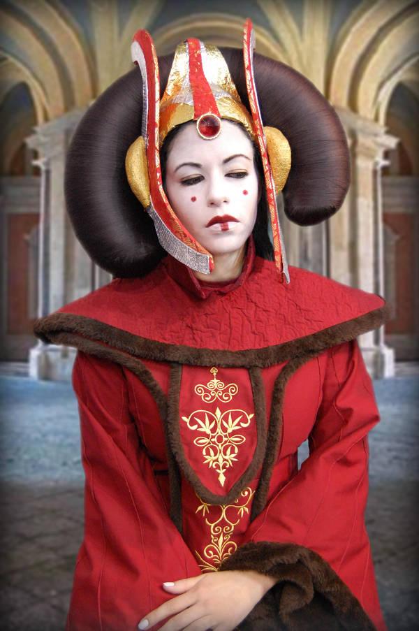 Queen Amidala by 0oMrsHydeo0