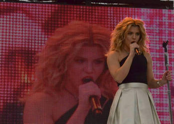 Kimberly Perry - Downtown Greeneville concert by SchroTN