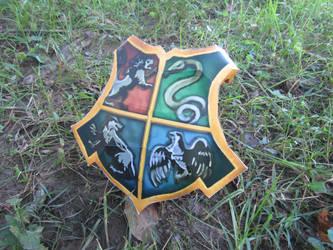 Hogwarts Shield by RakogisPapercraft