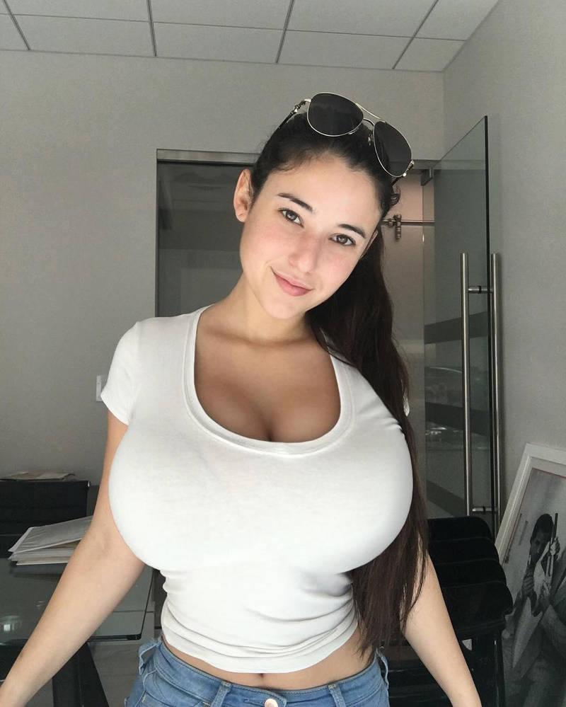 Angie varona reddit