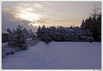 Snowy Sunset by Koekiemonster