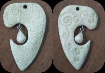 Bone brooch by Draupnir-666