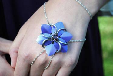Flower Bracelet by karavandar