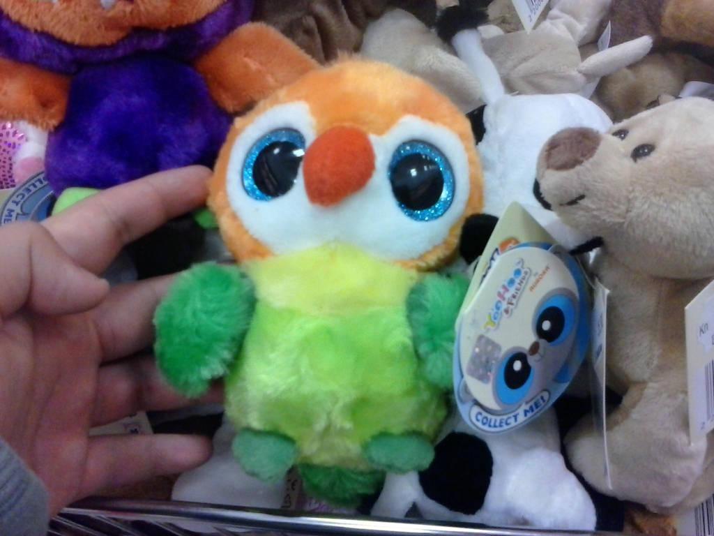 Yoohoo and friends green orange parrot plush jpg 1024x768 Beanie boo parrot f3342190d17