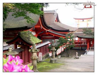 Itsukushima shrine and otorii by eerokin