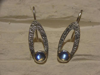 moonstone earrings by Siihraya