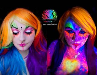 Black Light Alien by KatieAlves