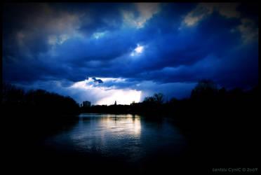 Feeling Blue by Lentziu