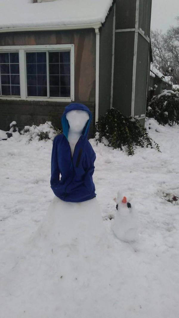 Snow venus de milo by Blueart14