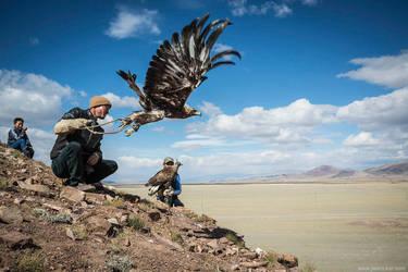 resurfacing memories: eagle hunters by jrockar