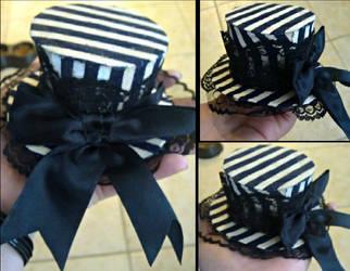Striped miniature hat by Sharayab