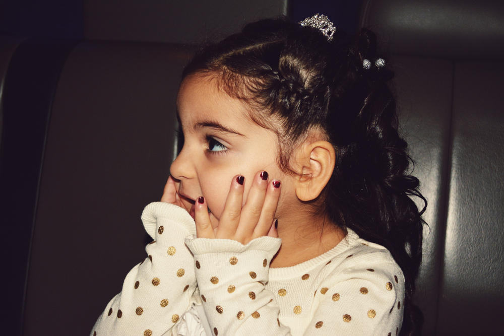 show me cute by ZeBiii