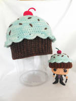 cupcake hat by MasterPlanner
