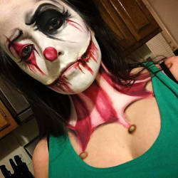 Creepy Clown by missjanellexo