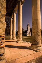 Chapel and columns by kereszteslp