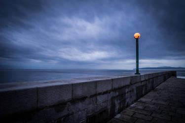 Alone............. by kereszteslp