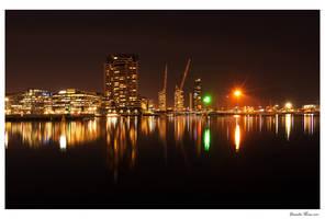 Night: Docklands 2 by daniellepowell82