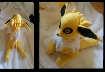 Jolteon Plushie by joris50066