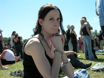 Vicki handcuffed by acid-delilah