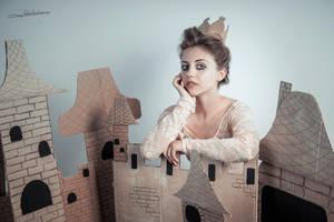 # Queen of Castle by Mishkina