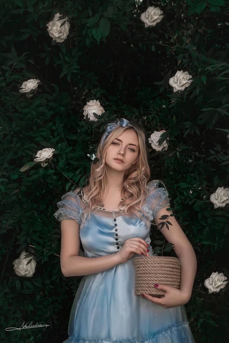 # Alice in Wonderland by Mishkina