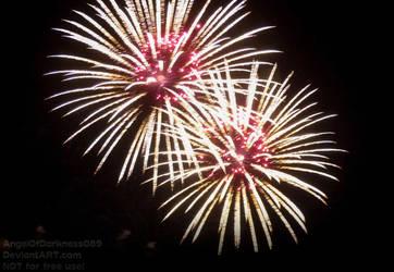 Biiiiiiiig firework in my hometown by AngelOfDarkness089