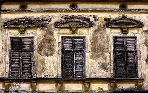 old venetian blind by pauljavor
