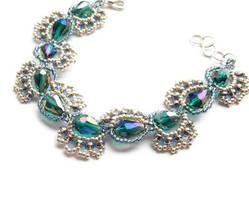 Emerald Paisley Teardrop Bracelet by lulabug