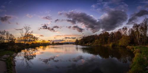 Autumn sunset by BandasPhoto