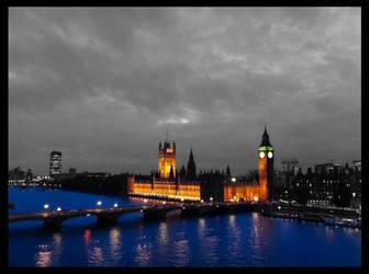 London at Night by chamathe
