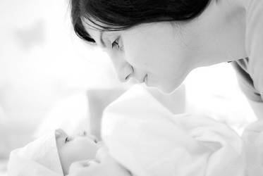 Momy Loves You by MahmoudYakut