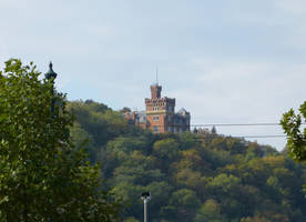 Castle in the trees by setanta5