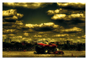 Monster Truck by Riffo