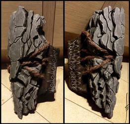 Mana'ul - stone shoulderarmour by Seggos-Artworks