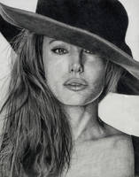 Angelina by raeLcasaLme