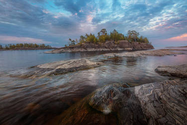 Ladoga Sunset by xrust