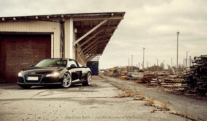Audi R8 by s3r4x