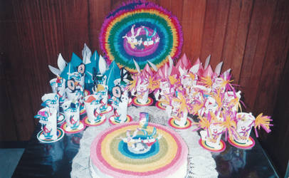 Tiny Toons Party Decorations 02 by alesaenz