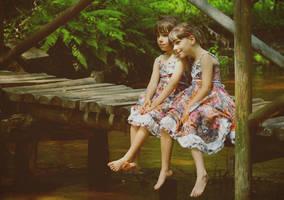 Sisters by monikha