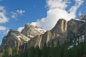 Bridalveil from Northside Dr. by thzinc