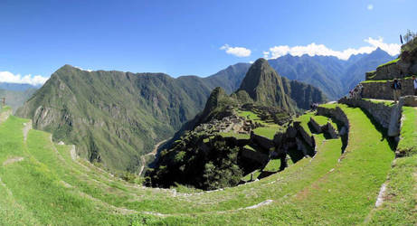 An unusual view of the Machu Picchu by xteuk