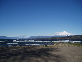 Villarrica Lake and volcano by katabrecteri