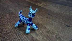 Epoxy clay cat posed by chaitanyak