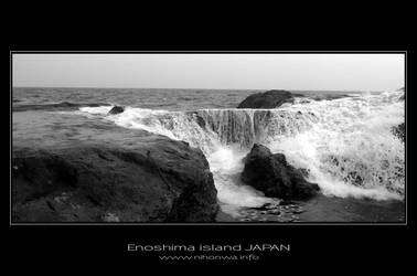 Waves of Enoshima island -2- by Lou-NihonWa