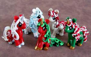Christmas Ponies by DragonsAndBeasties