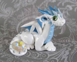 Snow Dragon by DragonsAndBeasties