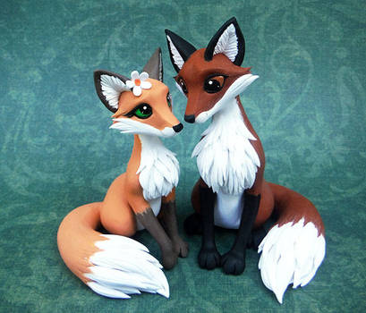 Fox Cake Topper by DragonsAndBeasties