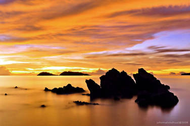 fiery skies by johnmelvinchua